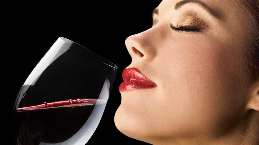 Woman-Drinking-Red-Wine2
